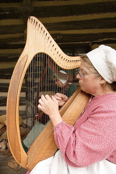 http://www.earlywomenmasters.net/cds/bridget/celtic_harp.jpg
